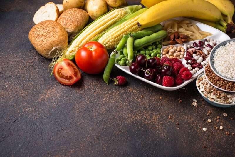 Manten una dieta adecuada que incluya lo saludable para ti