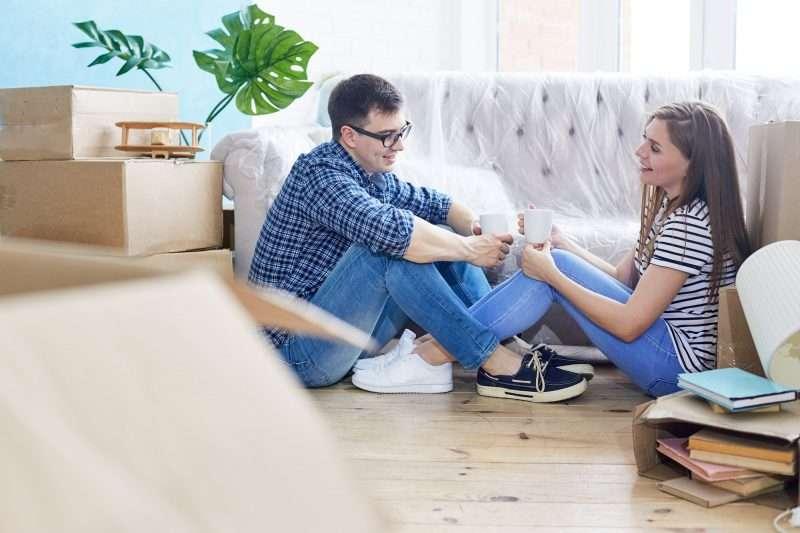 Busca como mejorar tu relación de pareja con mucha comunicación y confianza mutua.